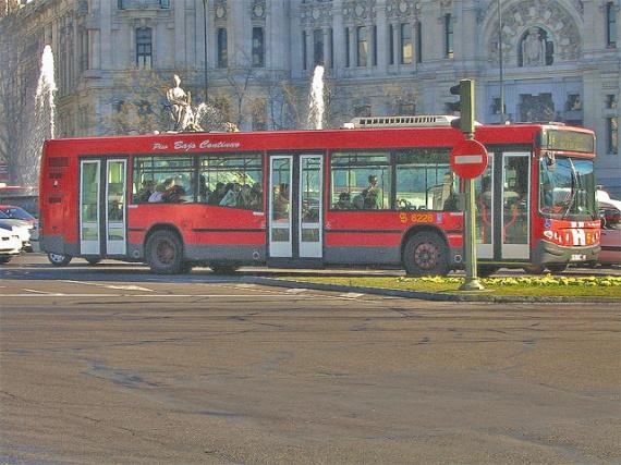 Autobús EMT Madrid 3 puertas piso bajo