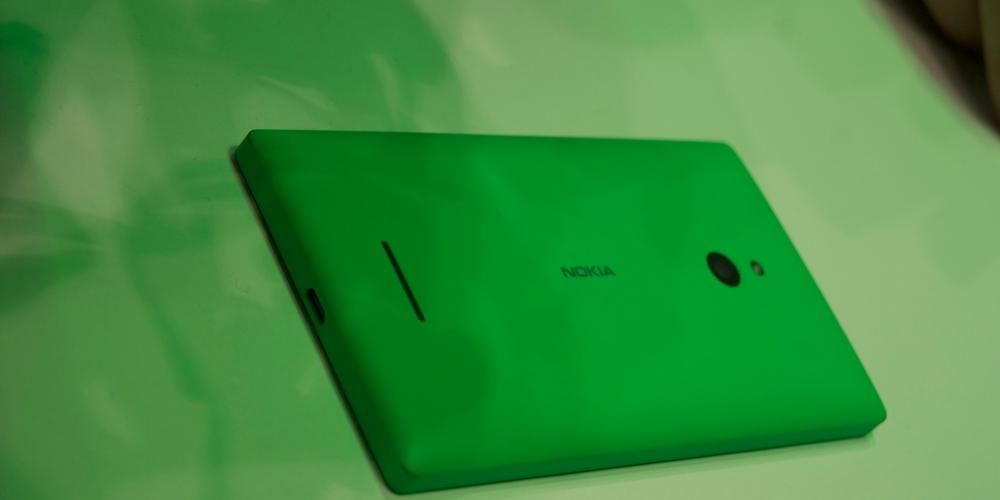 Trasera Nokia XL